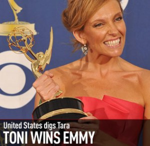Toni Collette wins Best Comedy Actress Emmy, 2009